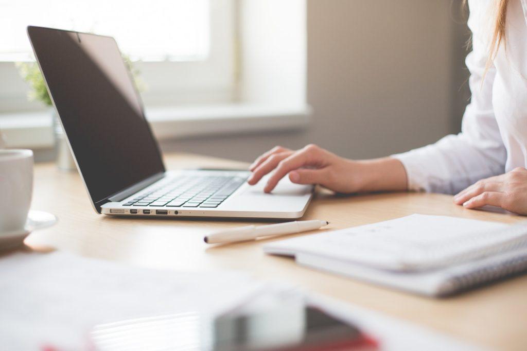 Profesjonalny tłumacz – osoba niezbędna we współczesnym przedsiębiorstwie